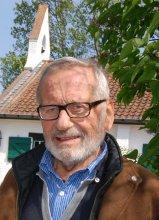 Wijlen Raymond Van Duüren in het decor van zijn geliefde Keunekapel.
